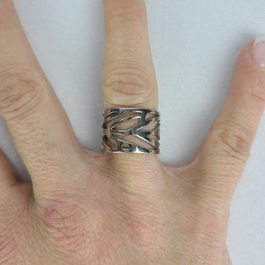 Steel Silver Tone Cutout Ring Size 8